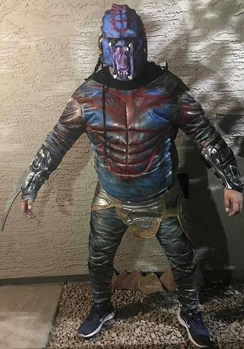 Predator Halloween costume (2) low